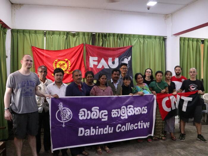 Teilnehmer*innen einer internationalen Konferenz von Basisgewerkschaften und Aktivist*innen zu Arbeitsbedingungen in der Textilindustrieim März 2020 in Colombo.