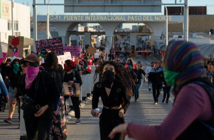 Aktivist*innen demonstrieren nach dem Mord an Isabel Cabanillas