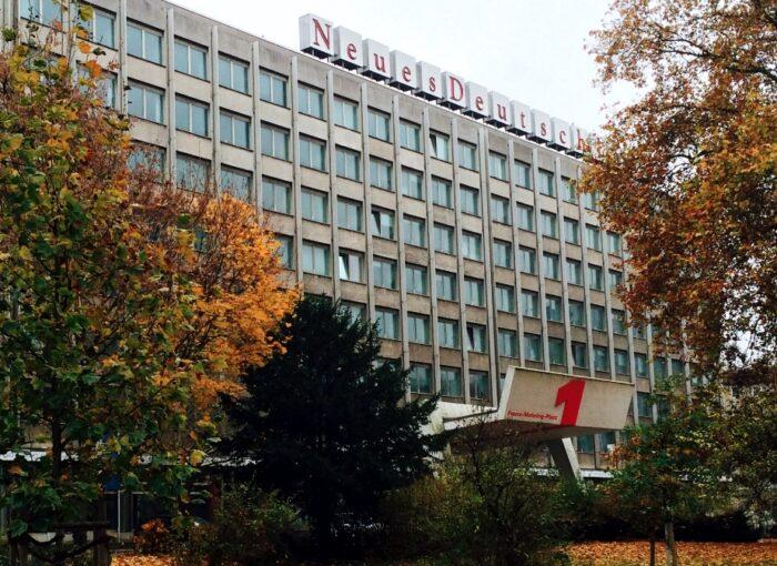 nd-Gebäude am Franz-Mehring-Platz 1